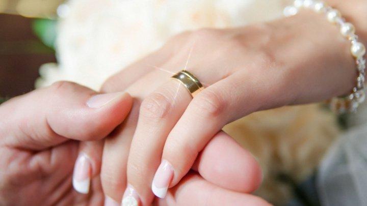 6.000 de cupluri s-au căsătorit în cadrul unei ceremonii