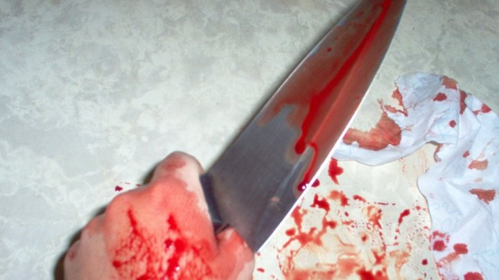 O femeie din Capitală, înjunghiată mortal în urma unui conflict la beţie (VIDEO)