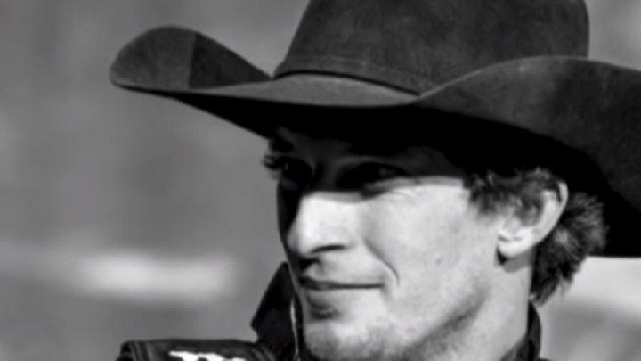 Moarte tragică pentru un star internaţional al rodeo-urilor. A fost ucis de un taur