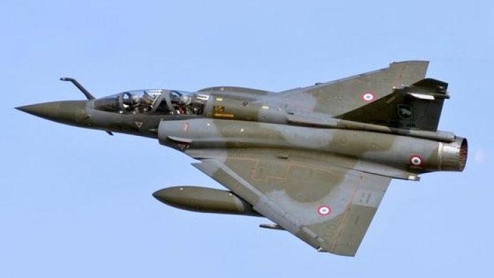 Un avion militar a dispărut în Franţa