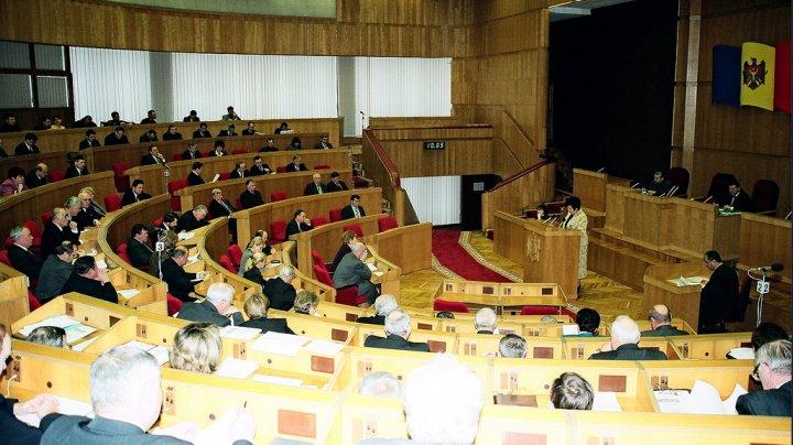 Istoria Parlamentului Republicii Moldova. VEZI UNDE ESTE DOCUMENTATĂ ARHIVA