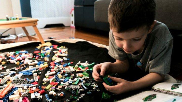 Jocurile de construcţie. Cum ajută acestea la dezvoltarea armonioasă a gândirii copiilor