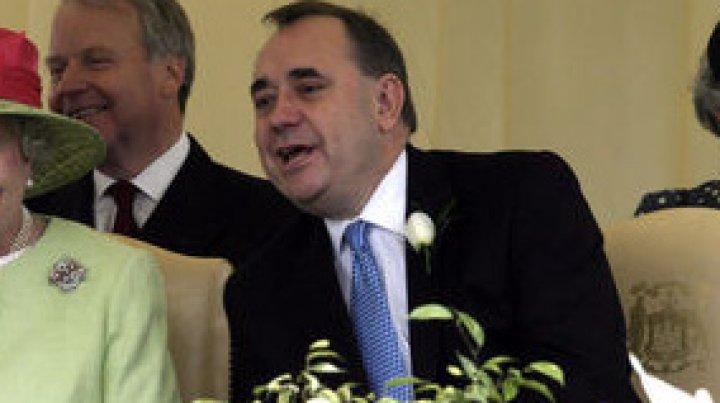 Fostul Prim-ministru scoţian acuzat de viol, a fost ARESTAT ŞI AUDIAT la Edinburgh