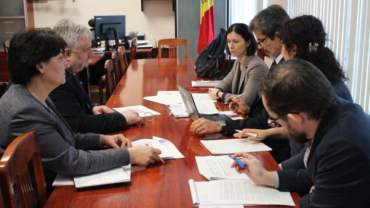 Ministerul Educației, Culturii și Cercetării mulţumeşte Oficiului Băncii Mondiale pentru suport