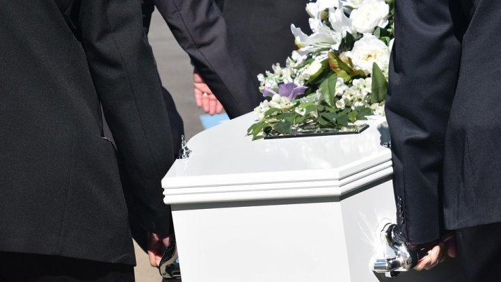 Minune de Crăciun la Costuleni: Un bărbat a înviat din morți...la propriu