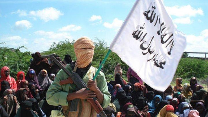 Explozii şi schimburi de focuri. 15 persoane au murit după un atac terorist în Kenya