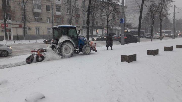 Au venit ninsorile peste Moldova. Codul Galben a intrat în vigoare. Informații de ultima oră, despre ce se întâmplă în ţară