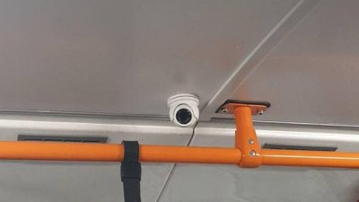 În transportul public din Capitală vor fi instalate camere video şi prize USB (FOTO)