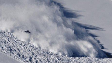 Cel puţin 59 de persoane şi-au pierdut viaţa în urma avalanşelor din Kashmirul indian şi pakistanez, în ultimele 24 de ore