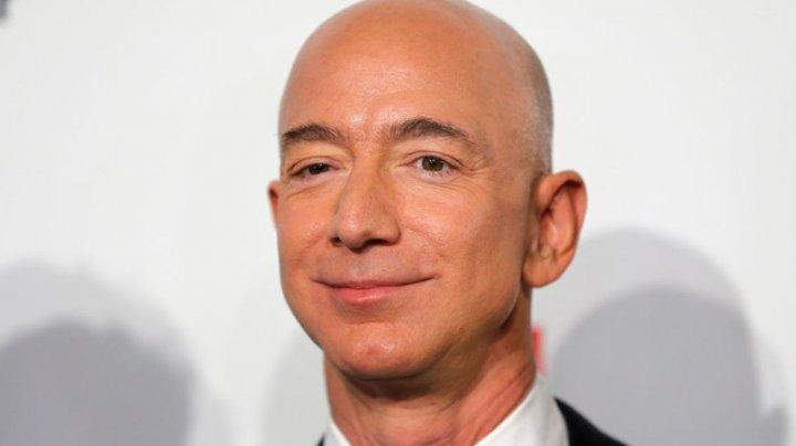 Jeff Bezos a fost ŞANTAJAT de National Enquirer cu fotografii în care apare NUD