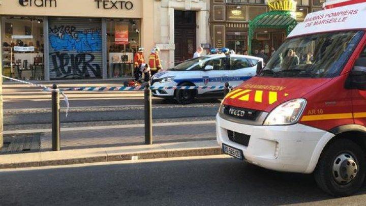Cel puţin PATRU persoane au fost RĂNITE după ce un individat I-A ATACAT cu CUŢITUL în Franţa. Atacatorul, împuşcat