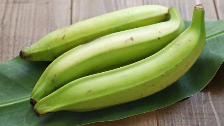 Bananele verzi, mult mai sănătoase decât cele coapte. Iată de ce