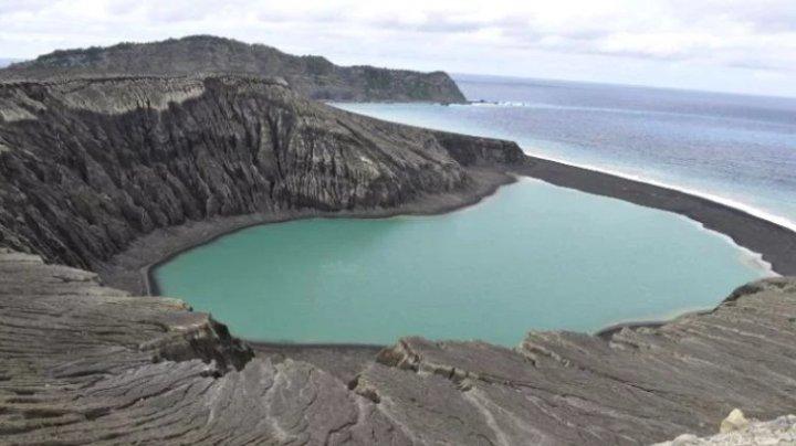 (VIDEO) Imagini SPECTACULOASE de pe cea mai nouă insulă din lume, făcute publice de NASA