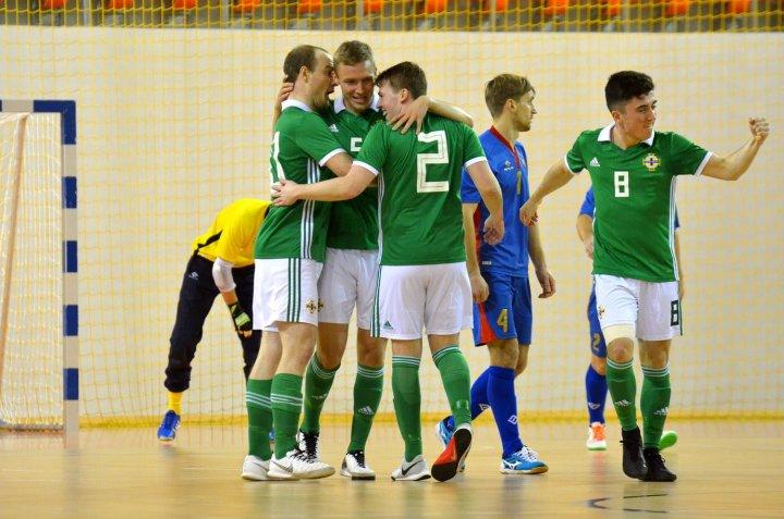 TRICOLORII, SHOW ȘI CALIFICARE. Băieții noștri au învins Irlanda de Nord cu 13-3 (GALERIE FOTO)