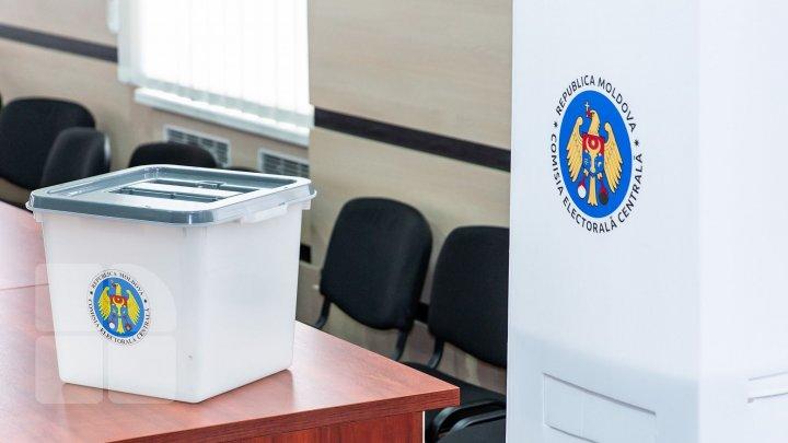 ALEGĂTORII, AȘTEPTAȚI LA URNE: Parlamentarele și referendumul, organizate în aceeași zi