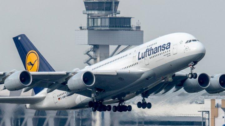 O companie de zboruri DĂ ÎN JUDECATĂ un client. Din ce motiv