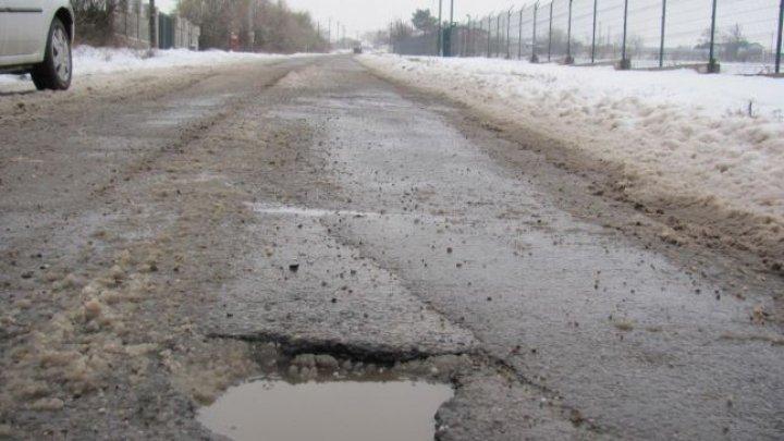 Un șofer a dat în judecată primăria dintr-un oraş din România pentru că şi-a accidentat maşina. Ce a urmat