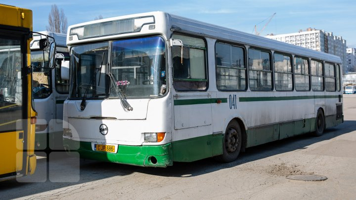 Primăria a găsit o soluţie pentru asigurarea cu transport a locuitorilor din Durleşti
