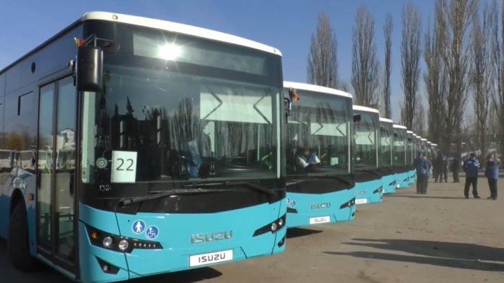 Cele 25 de autobuze cumpărate din Turcia, deja pe traseu, în Chişinău. Pe ce rute vor circula