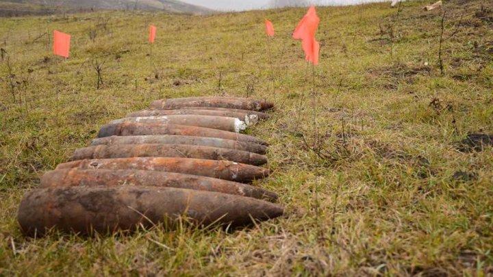 PERICOL DE EXPLOZIE lângă Hîrbovăţ, Anenii Noi. Au fost descoperite BOMBE din Al Doilea Război Mondial (FOTO)