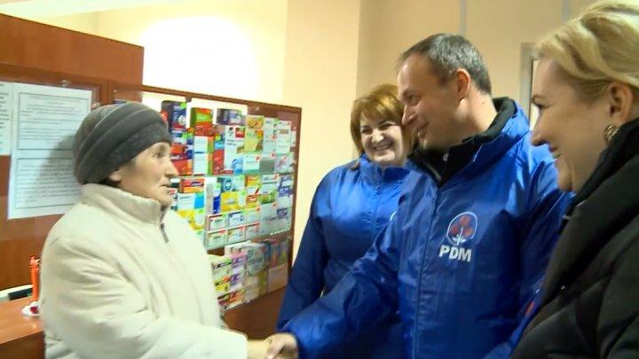Caravana PDM a ajuns la Rezina. Andrian Candu a mers să vadă dacă sistemul medicamentelor compensate funcționează (VIDEO)