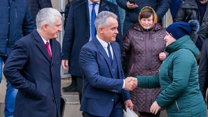 Faptele bune vor continua în Nisporeni și în toată țara, le-a spus Vlad Plahotniuc locuitorilor din circumscripția 17