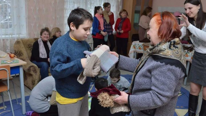 """Serviciului social """"Împreună cu bunicii"""" au mers astăzi la Centrul comunitar pentru Copilărie, Adolescență și Familie"""