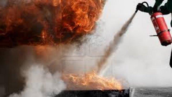 Incendiu la un liceu din Capitală. Ce au făcut elevii și profesorii (VIDEO)