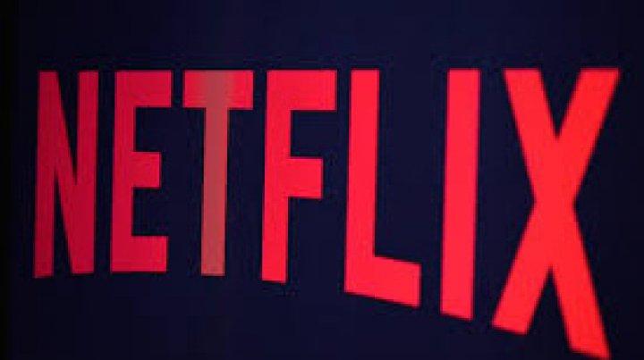 Netflix promite să reducă scenele care înfăţişează fumători în producţiile sale originale