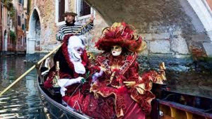 VENEŢIA, ÎN SPATELE MĂŞTILOR. În oraşul italian a fost dat startul faimosului carnaval