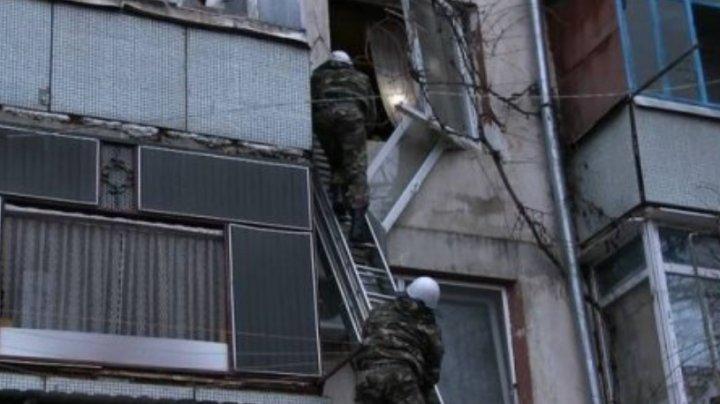 EXPLOZIE LA TIRASPOL. O grenadă a sărit în aer într-un bloc de locuințe: Sunt victime (VIDEO)