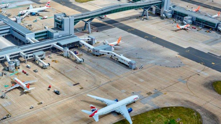 Scandalul cu dronele pe aeroportul Gatwick din Londra: Un lucrător al aeroportului ar sta în spatele incidentului