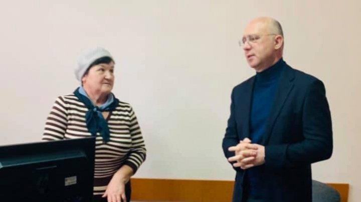 Pavel Filip s-a întâlnit cu femeia despre care s-a spus că a concediat-o. Ce a aflat de la aceasta (FOTO)