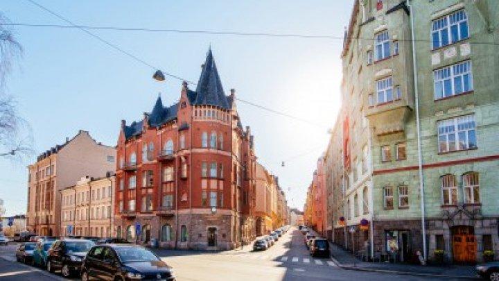 Oraşul FĂRĂ CERŞETORI. Cum a eliminat capitala Finlandei PROBLEMA BOSCHETARILOR