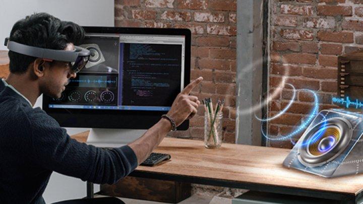 Microsoft a lansat HoloLens 2 - a doua serie a căștilor holografice