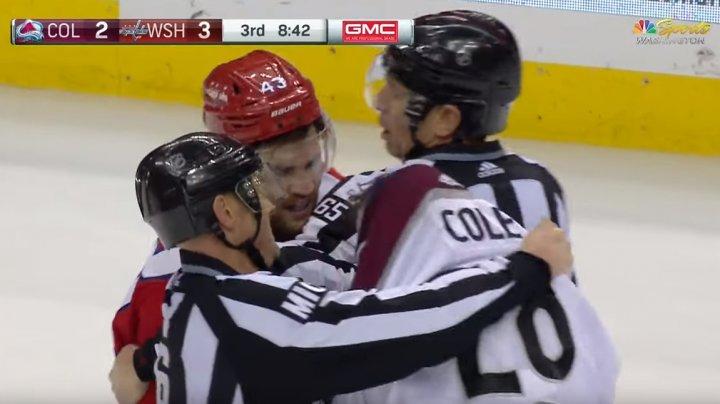 SPIRITE ÎNCINSE ÎN NHL. Wilson, jucătorul echipei Capitals, a bătut un adversar