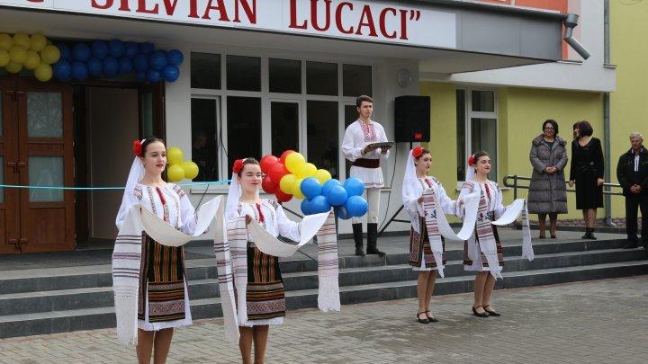 Condiții mai bune pentru elevi. O şcoală din Râşcani a fost renovată capital