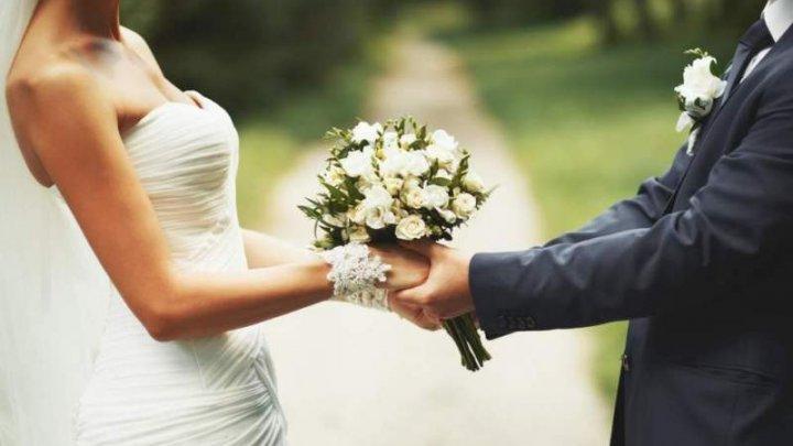 Un român a doborât recordul la numărul de căsătorii. De câte ori a spus DA