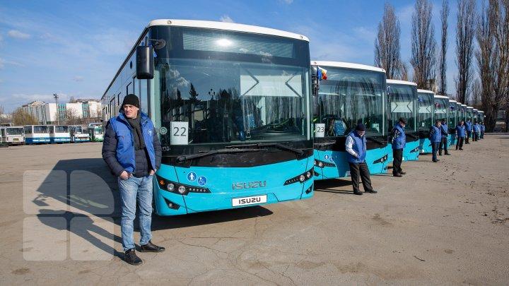 Cum arată cele mai noi modele de autobuze care vor circula pe străzile din Capitală (FOTOREPORT)
