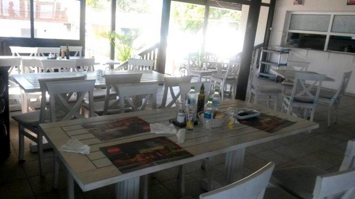 Intoxicație într-un restaurant din Valencia. O femeie a murit şi 29 de persone s-au simţit rău