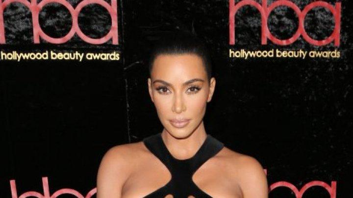 Kim Kardashian, apariție de senzație la cea de-a cincea gală a Hollywood Beauty Awards (FOTO)