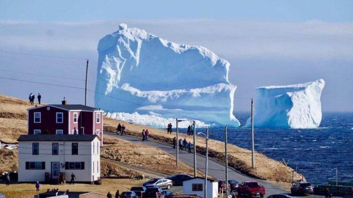 Un aisberg, care aparținea unei firme producătoare de votcă, a fost furat