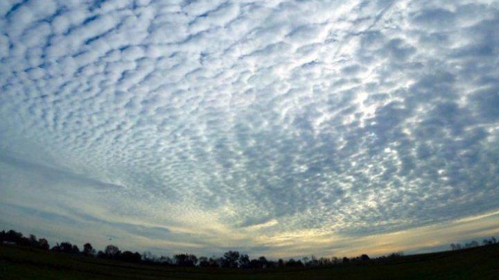 """Norii pot PREZICE calamităţi. Ce prevestescă norii """"panglică"""""""