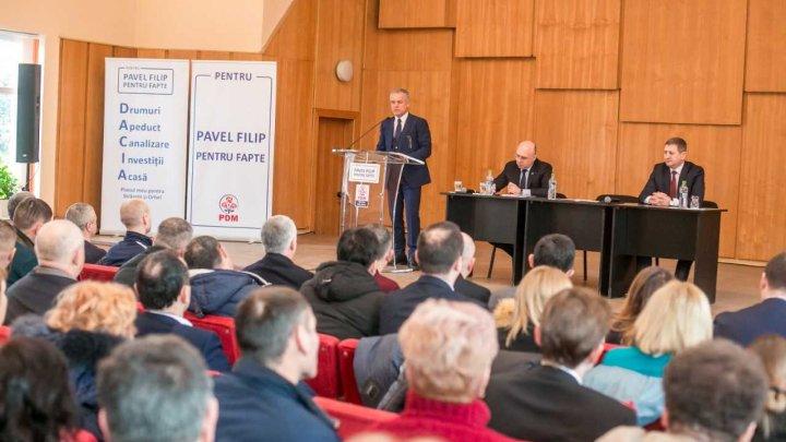 Vlad Plahotniuc și Pavel Filip, la Strășeni: Cu PDM la guvernare, salariul mediu în țară se va apropia de 13.000 de lei
