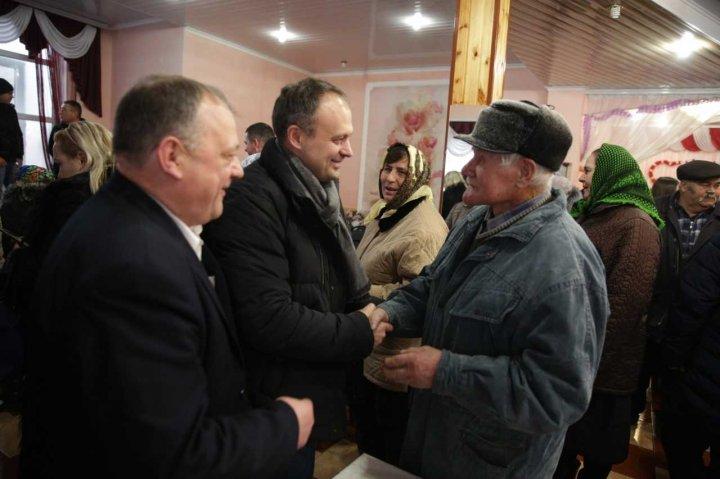 Caravana PDM a ajuns în Drochia și Glodeni: Partidul Democrat va continua programele pentru susținerea afacerilor