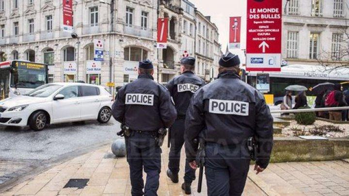 ALERTĂ la Paris: O persoană a fost rănită prin înjunghiere