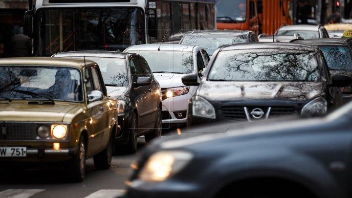 InfoTrafic: Flux majorat de transport major în Capitală