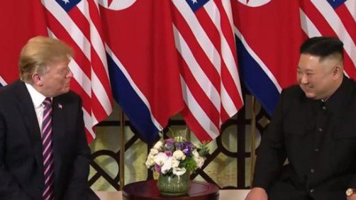 """Donald Trump şi Kim Jong-Un s-au întâlnit la Hanoi: """"Este o onoare să fim aici împreună"""" (VIDEO)"""