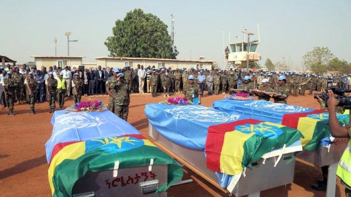 ACCIDENT AVIATIC ÎN AFRICA: Trei oameni au murit în accident, iar 10 sunt răniţi