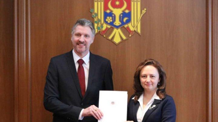 Ambasadorul agreat al Republicii Letonia a prezentat copiile scrisorilor de acreditare la MAEIE
